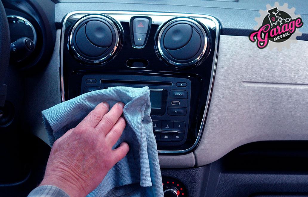 Servicio de detallado integral de interior de vehículos